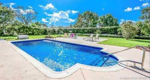 $1,139,999 - 3Br/2Ba -  for Sale in New Continental Sec 1, Miami