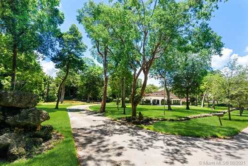 $6,759,000 - 7Br/8Ba -  for Sale in Feinberg Acres, Coral Gables