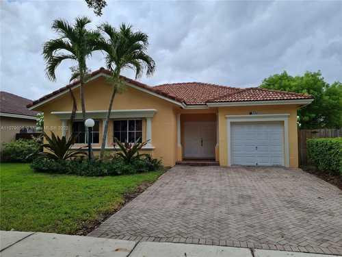 $495,000 - 3Br/2Ba -  for Sale in Twin Lake Shores Central, Miami