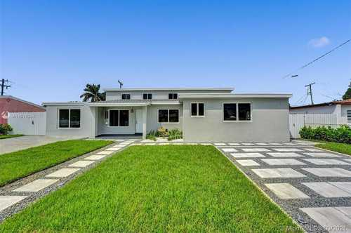 $800,000 - 6Br/4Ba -  for Sale in High House Sub, Miami Gardens