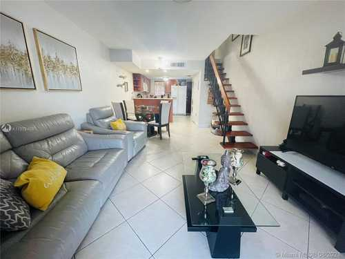$198,500 - 2Br/2Ba -  for Sale in Vista Alegre Townhomes Co, Hialeah