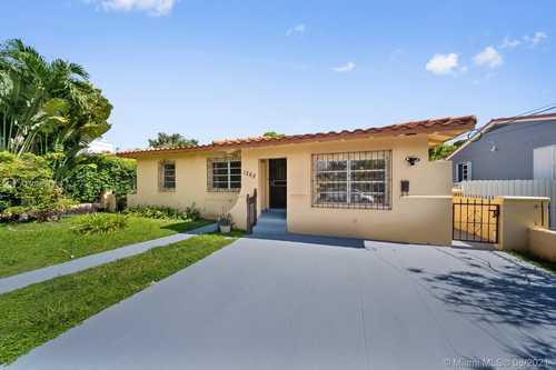 $725,000 - 3Br/2Ba -  for Sale in Brickell Estates, Miami