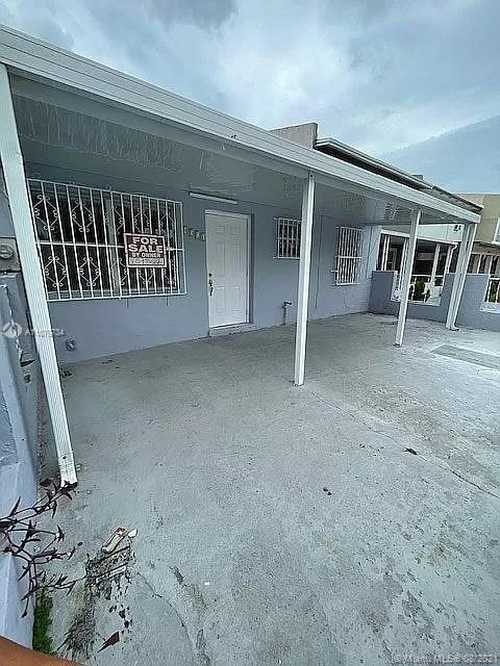 $240,000 - 3Br/1Ba -  for Sale in Kings Gardens Sec Two, Miami Gardens