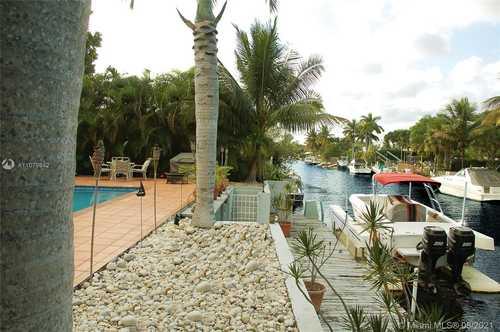 $1,500,000 - 4Br/3Ba -  for Sale in Eveningside, Miami Shores