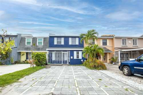 $399,000 - 3Br/3Ba -  for Sale in Lake Royal East 2nd Addn, Hialeah