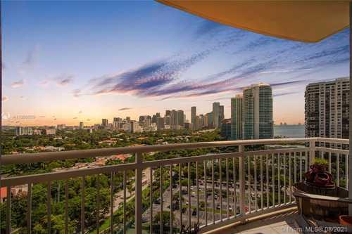 $355,000 - 1Br/1Ba -  for Sale in The Metropolitan Condo, Miami