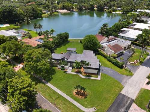 $1,350,000 - 4Br/2Ba -  for Sale in Tanglewood Lake, Palmetto Bay
