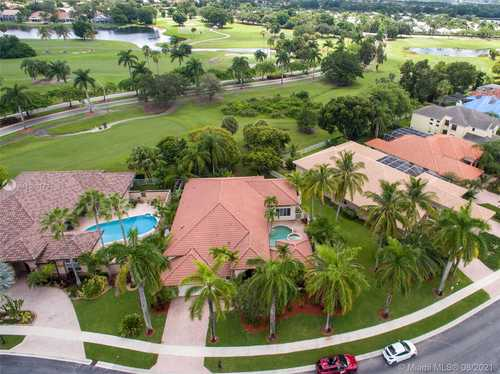 $845,900 - 4Br/4Ba -  for Sale in Hollywood Lakes Country C, Pembroke Pines