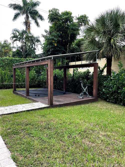 $2,500,000 - 3Br/3Ba -  for Sale in Mid Golf Sub, Miami Beach