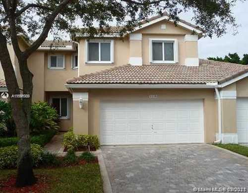 $498,000 - 3Br/3Ba -  for Sale in Grand Palms/the Courtyards, Pembroke Pines