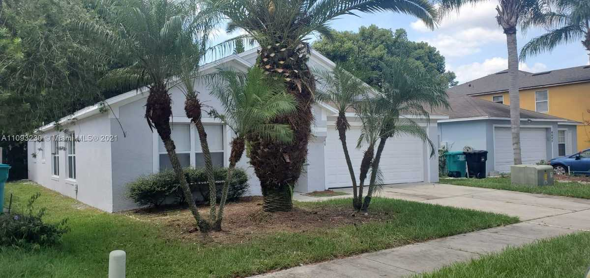 $350,000 - 4Br/2Ba -  for Sale in Langdale Woods, Orlando