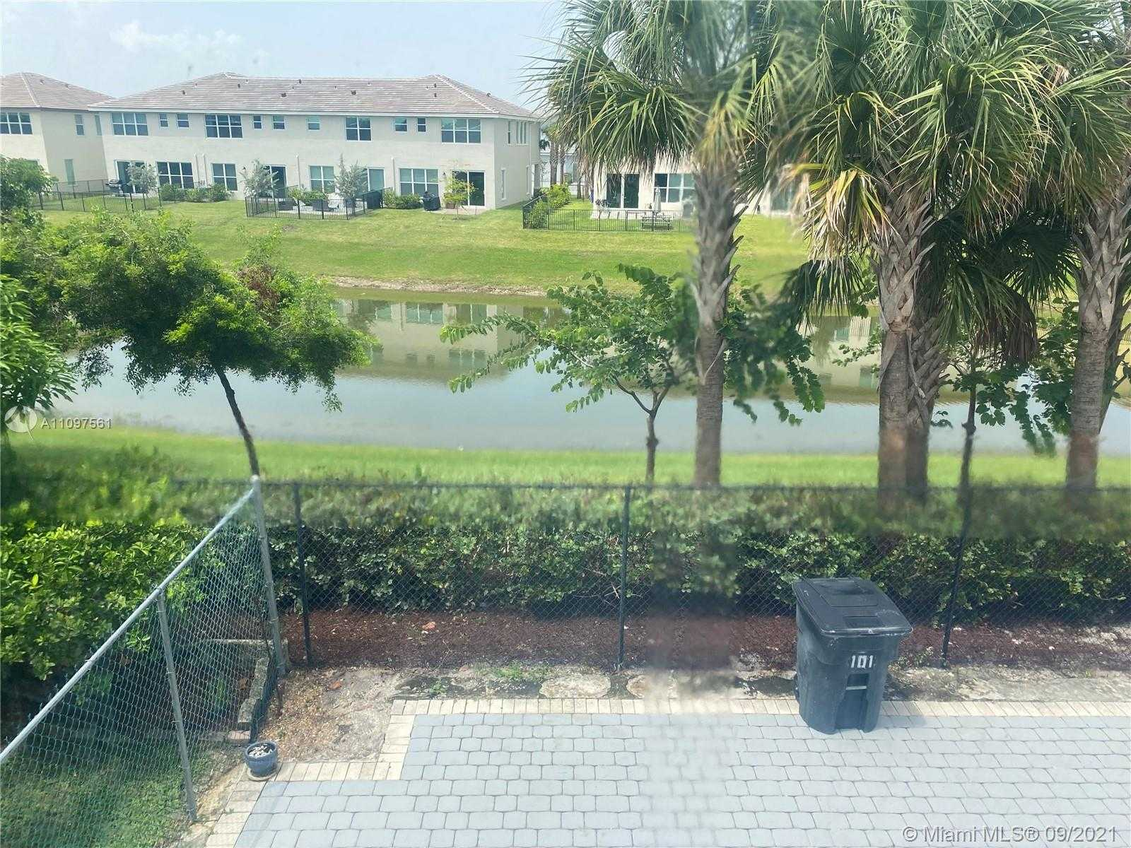 $173,000 - 2Br/2Ba -  for Sale in Crystal Greens North Cond, Deerfield Beach