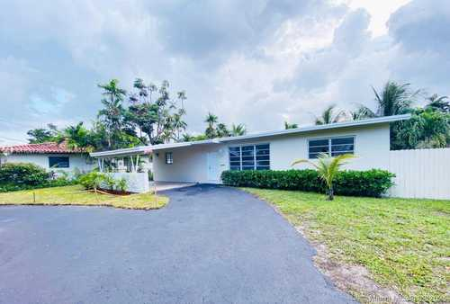 $2,700 - 3Br/2Ba -  for Sale in East Bass Lake Estates, Miami Springs