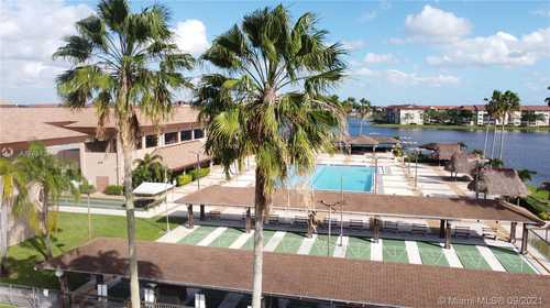 $200,000 - 1Br/2Ba -  for Sale in Falmouth Century Village, Pembroke Pines
