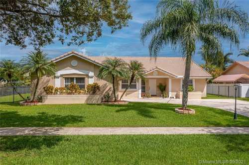 $627,000 - 3Br/2Ba -  for Sale in Hawkes Bluff, Davie