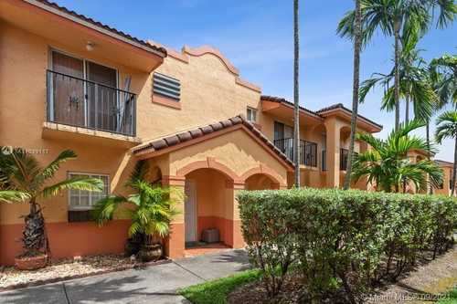 $265,000 - 2Br/2Ba -  for Sale in Gardengate Townhomes I Co, Hialeah Gardens