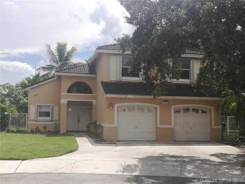 $545,000 - 4Br/2Ba -  for Sale in The Island, Pembroke Pines