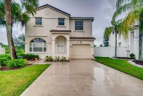 $485,900 - 2Br/3Ba -  for Sale in Towngate, Pembroke Pines
