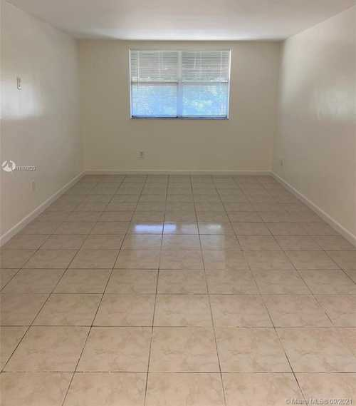 $150,000 - 1Br/1Ba -  for Sale in Las Estrellas Condo, Hialeah