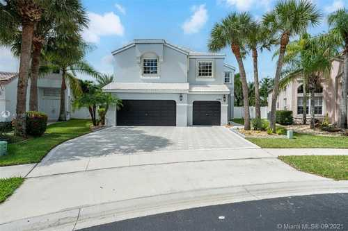 $740,000 - 4Br/3Ba -  for Sale in Towngate, Pembroke Pines