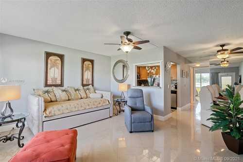 $97,900 - 1Br/1Ba -  for Sale in Dorset At Century Village, Boca Raton