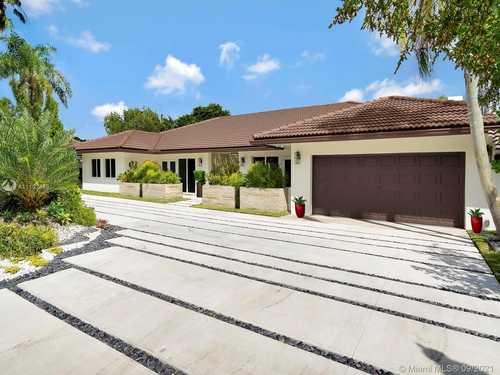 $2,600,000 - 4Br/4Ba -  for Sale in Doral Estates, Doral