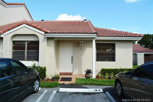 $280,000 - 2Br/2Ba -  for Sale in Villa Homes At The Moors, Hialeah