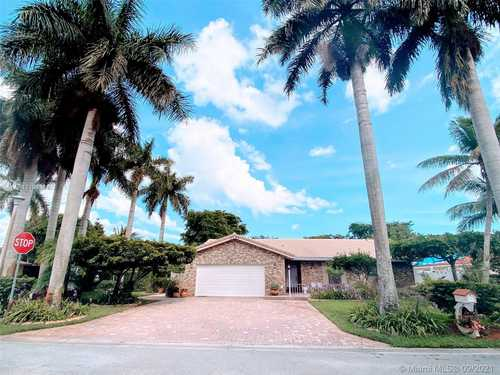 $540,000 - 4Br/2Ba -  for Sale in Forest Hills, Coral Springs