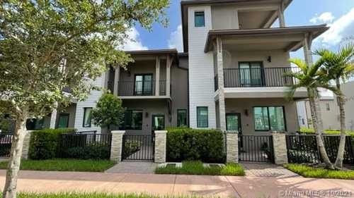 $3,650 - 3Br/3Ba -  for Sale in Downtown Doral South Phas, Doral