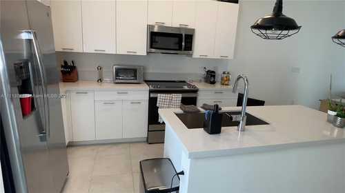$2,350 - 1Br/1Ba -  for Sale in Urbana At The Residences., Doral