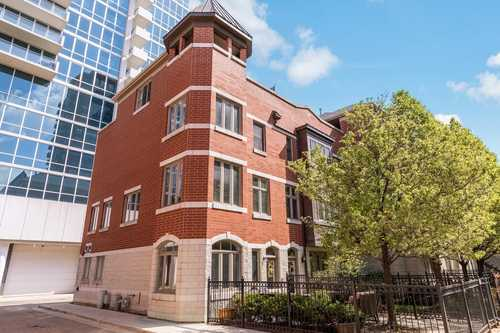 $795,000 - 3Br/4Ba -  for Sale in Prairie District Homes, Chicago