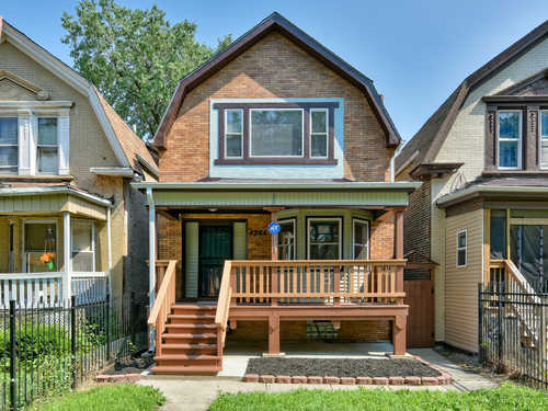 $360,000 - 4Br/3Ba -  for Sale in Chicago
