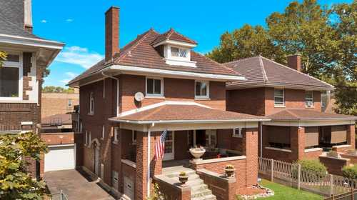 $489,999 - 4Br/3Ba -  for Sale in Chicago