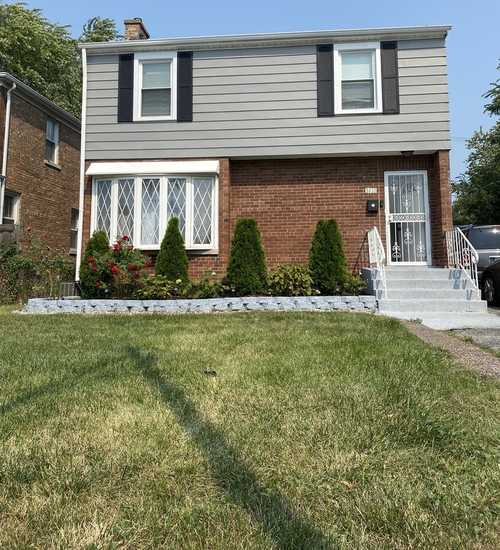 $239,900 - 3Br/3Ba -  for Sale in Chicago