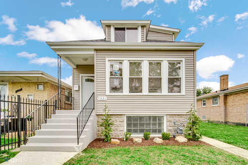 $270,000 - 4Br/3Ba -  for Sale in Chicago
