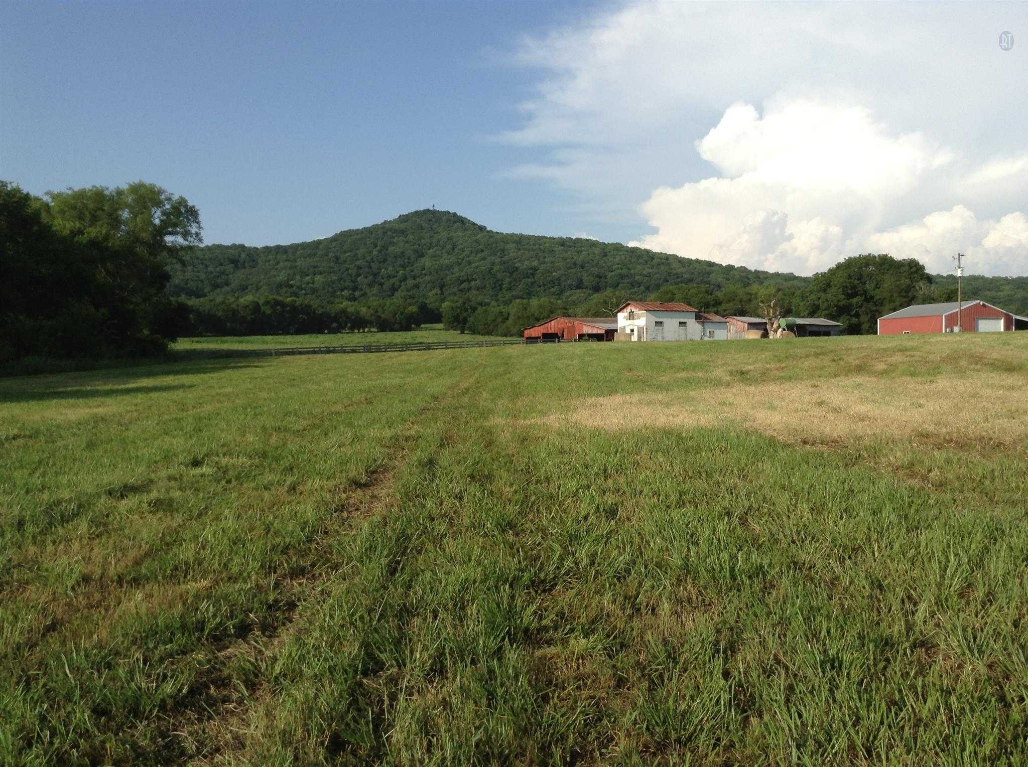 $939,900 - 3Br/2Ba -  for Sale in 122 Acres, Lebanon
