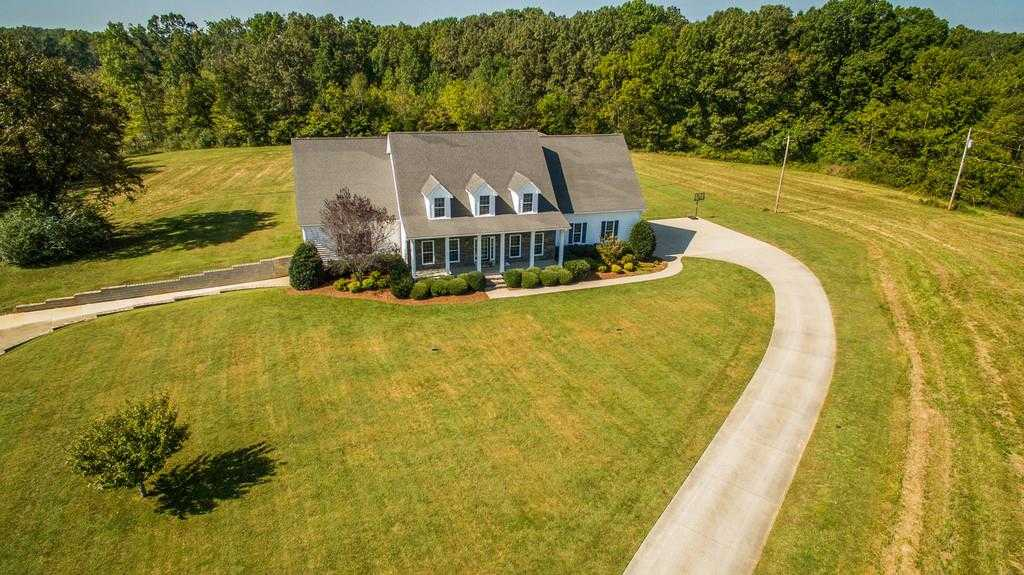 $925,000 - 4Br/5Ba -  for Sale in N/a, Dickson