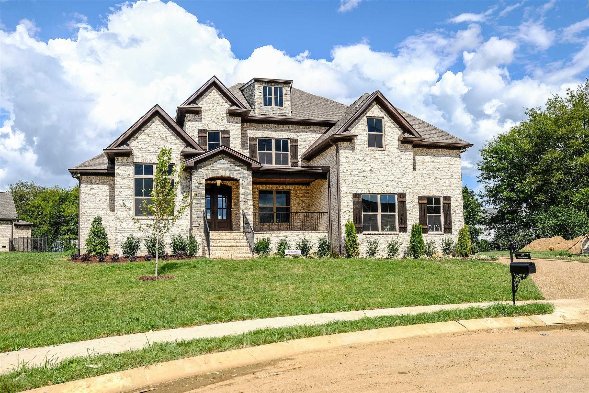 $639,900 - 4Br/4Ba -  for Sale in Autumn Ridge, Spring Hill