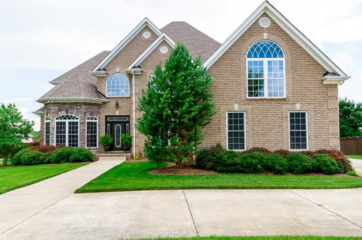 $494,900 - 4Br/4Ba -  for Sale in Oak Pointe Phase Four, Pleasant View
