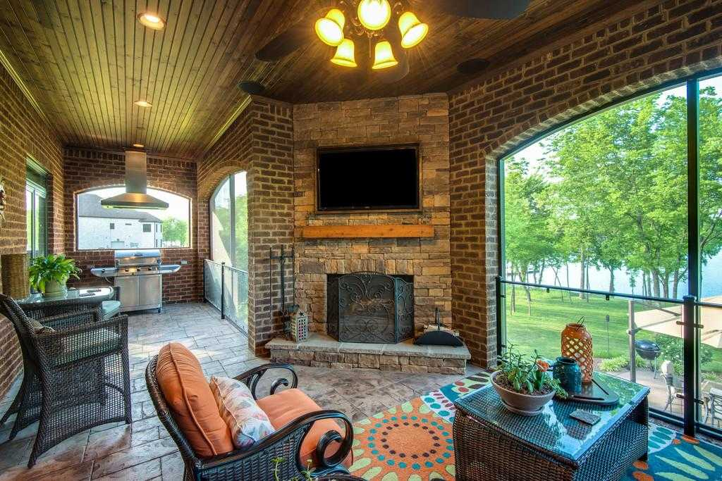 $1,350,000 - 4Br/4Ba -  for Sale in Foxland, Gallatin