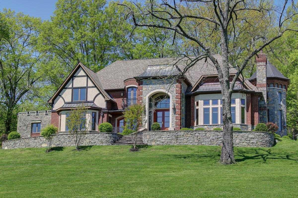 $5,995,000 - 4Br/5Ba -  for Sale in Grassland Area, Franklin