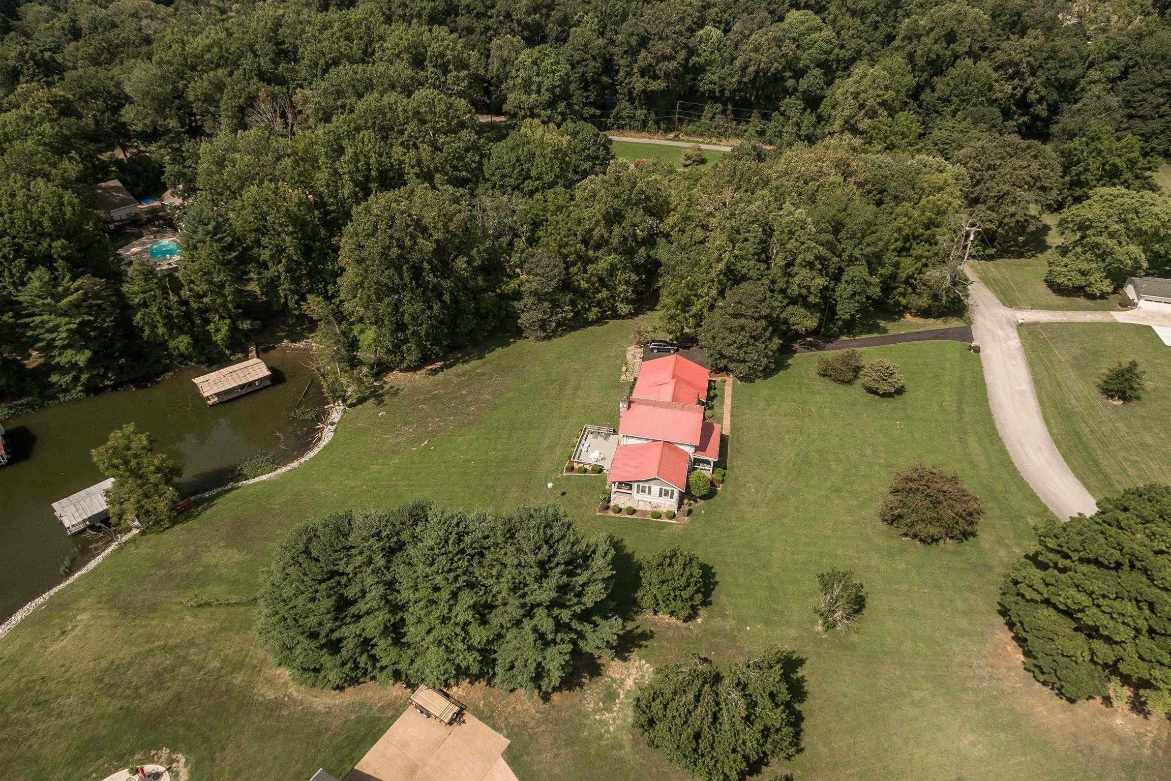 $850,000 - 3Br/3Ba -  for Sale in Cumberland Hills Sec P Res, Hendersonville