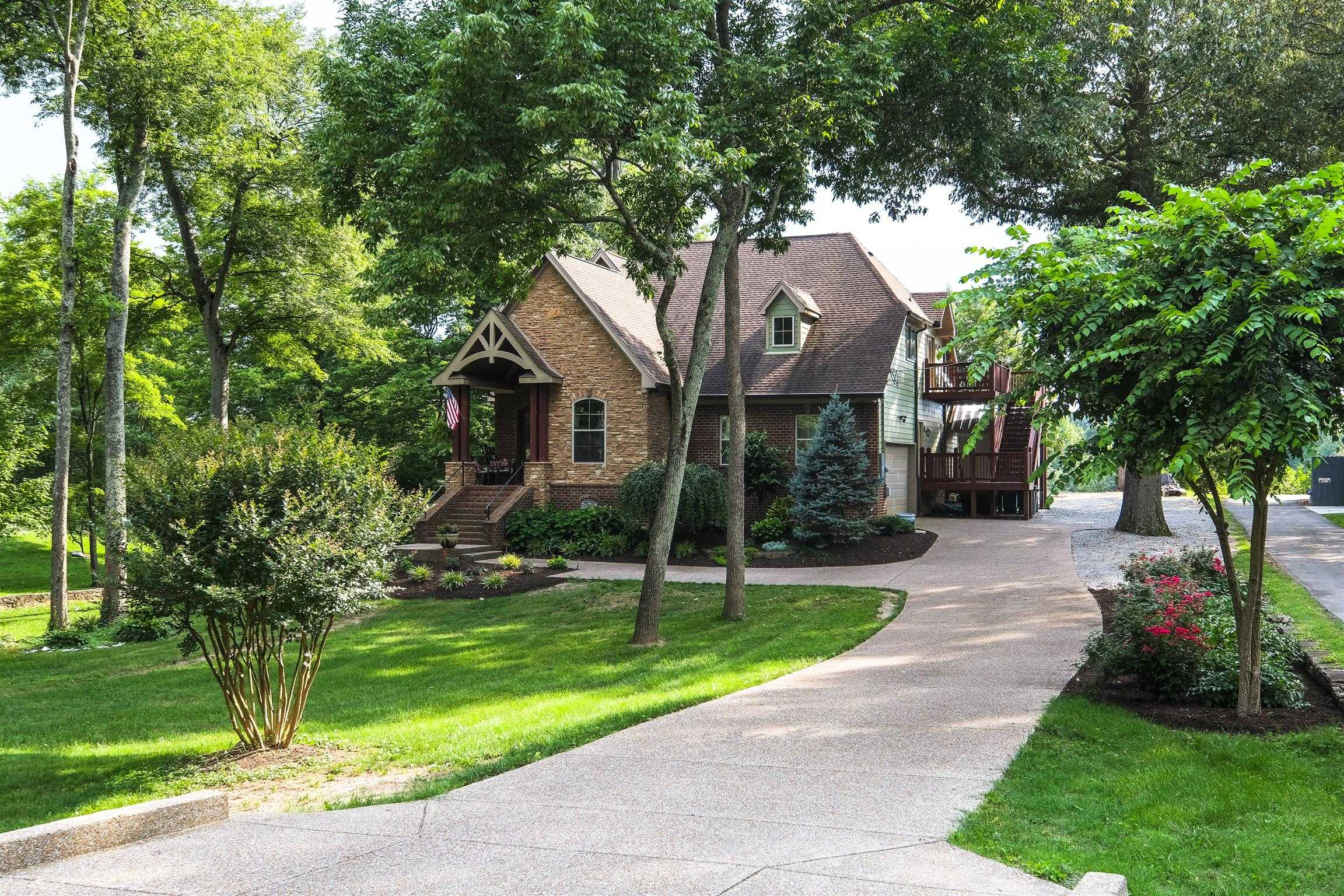 $679,000 - 4Br/3Ba -  for Sale in Madison Heights, Madison