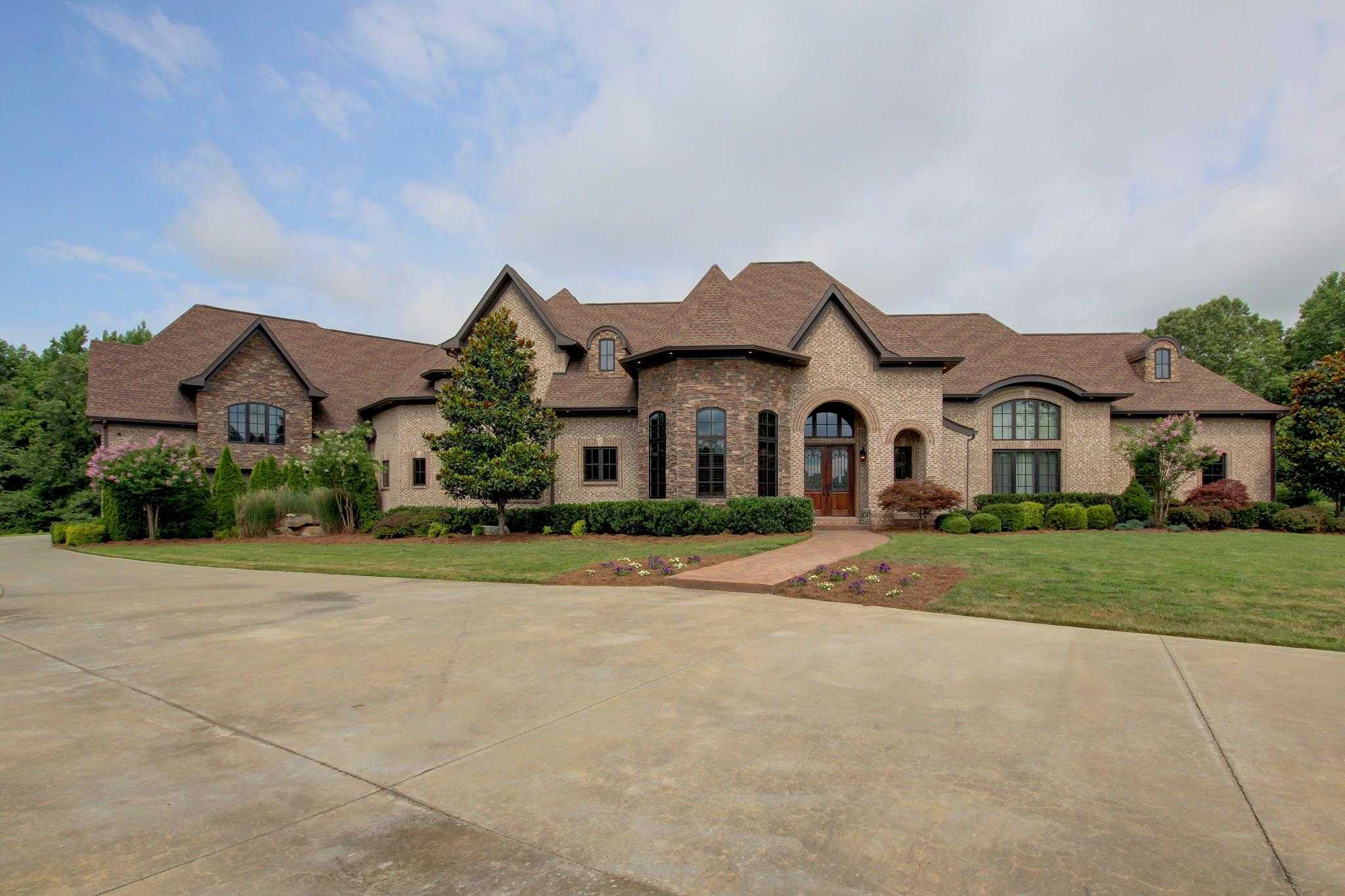 $1,900,000 - 4Br/9Ba -  for Sale in Custom Built, Clarksville