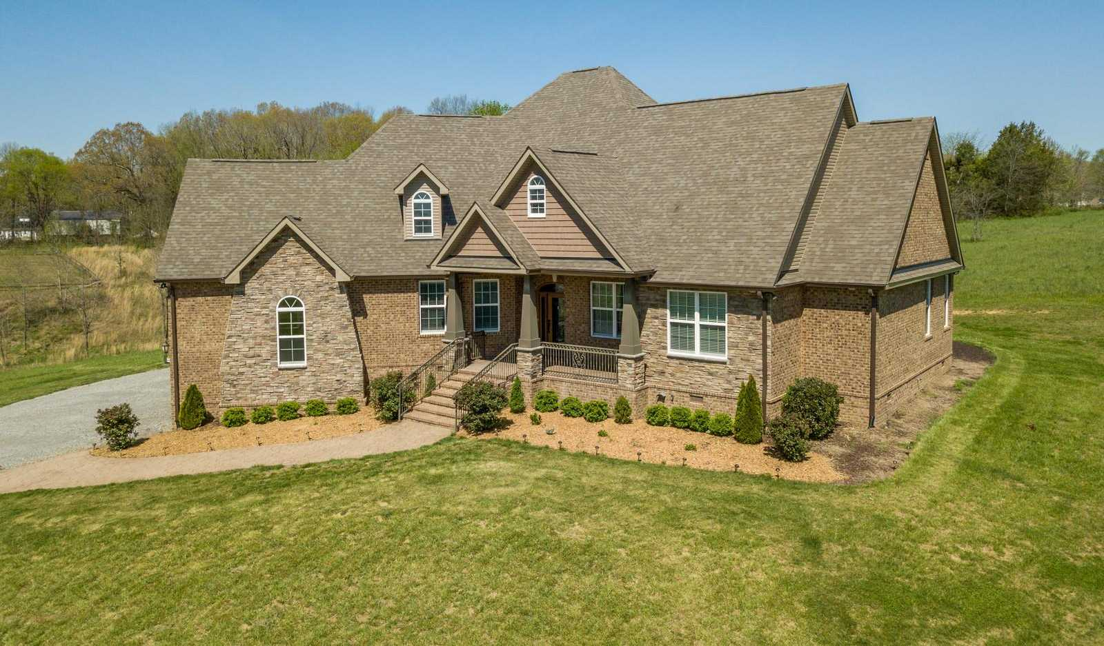 $664,900 - 4Br/5Ba -  for Sale in None, Burns
