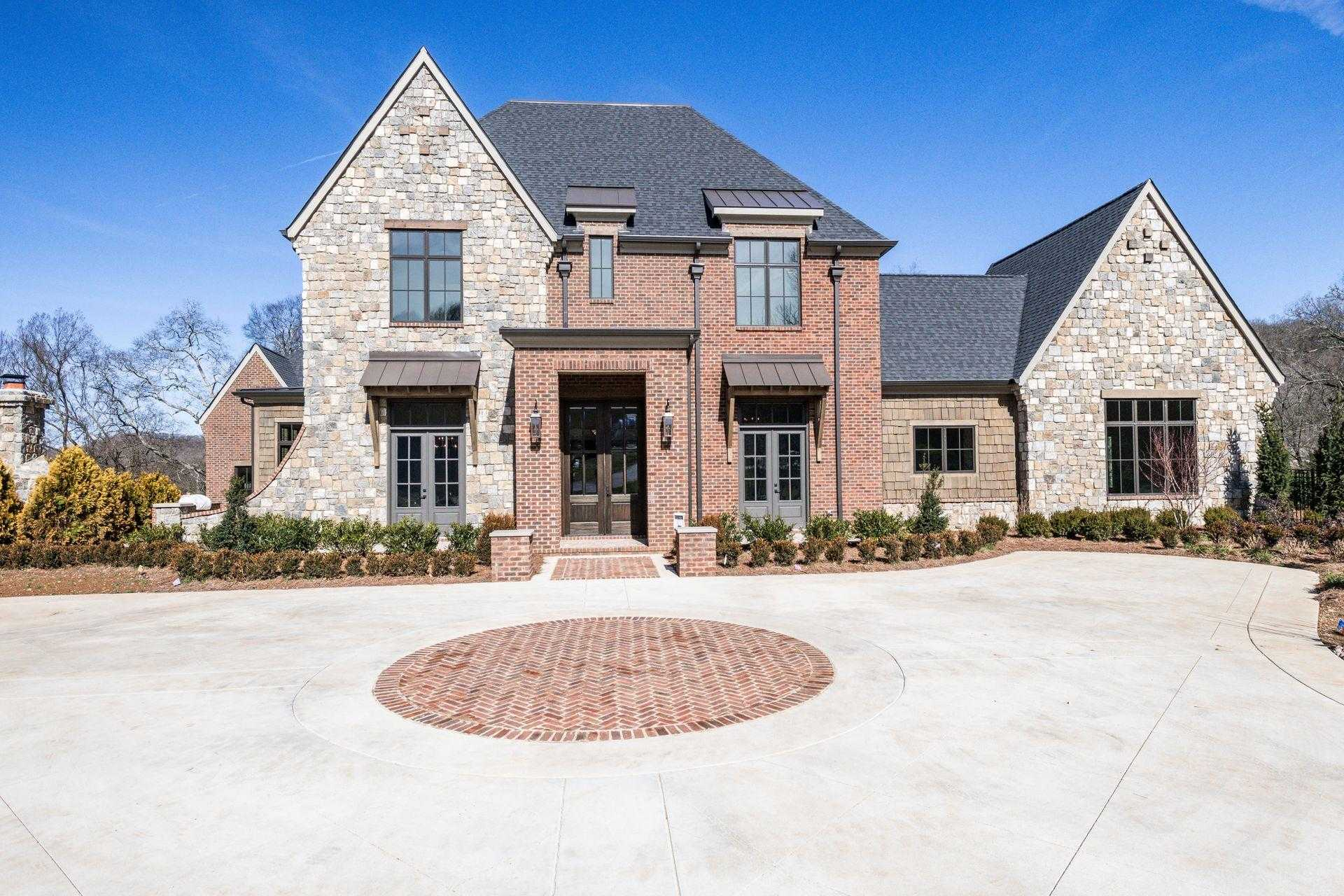 $2,849,900 - 5Br/8Ba -  for Sale in Cartwright Close, Brentwood