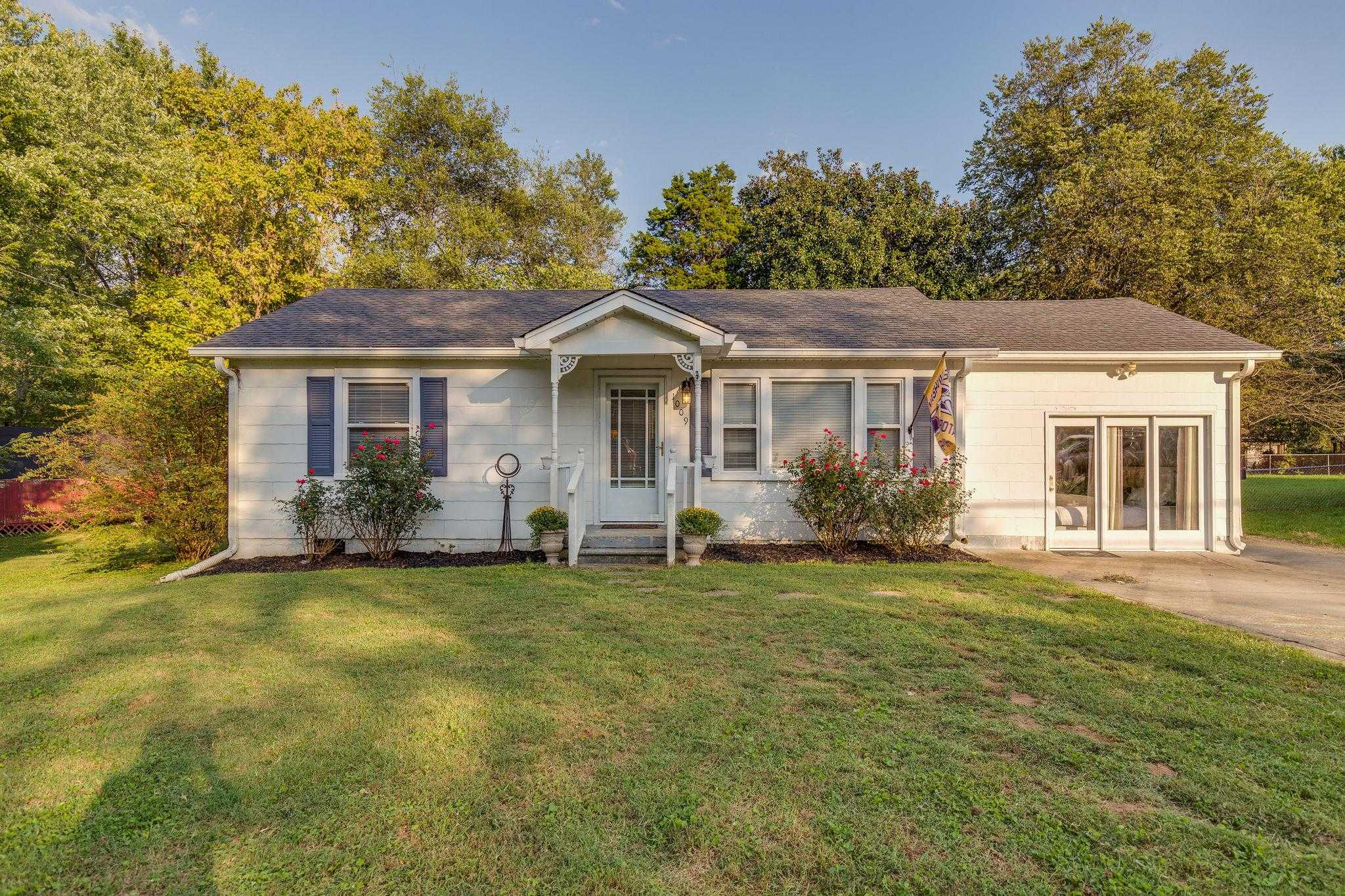 $159,900 - 3Br/1Ba -  for Sale in Highland Park, Gallatin