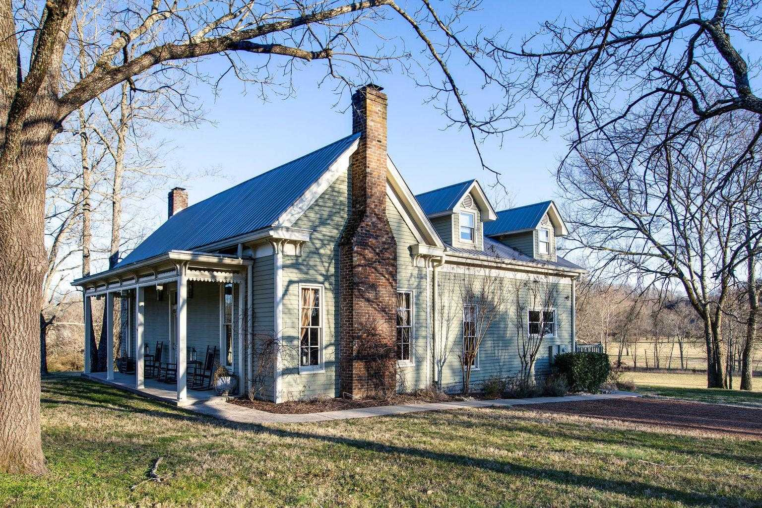 $3,300,000 - 3Br/2Ba -  for Sale in Leipers Fork, Franklin