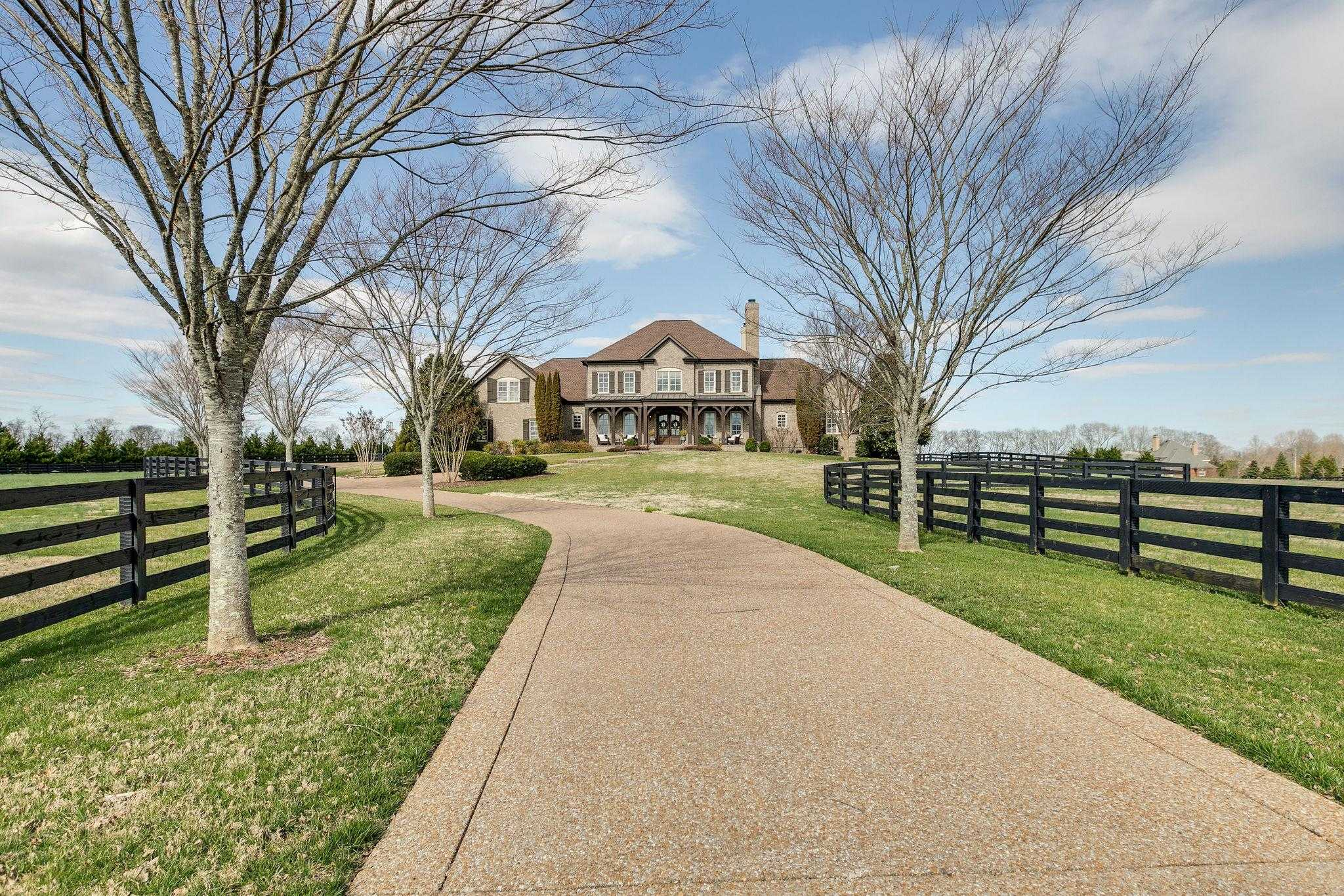 $2,299,900 - 5Br/6Ba -  for Sale in Two Rivers, Franklin