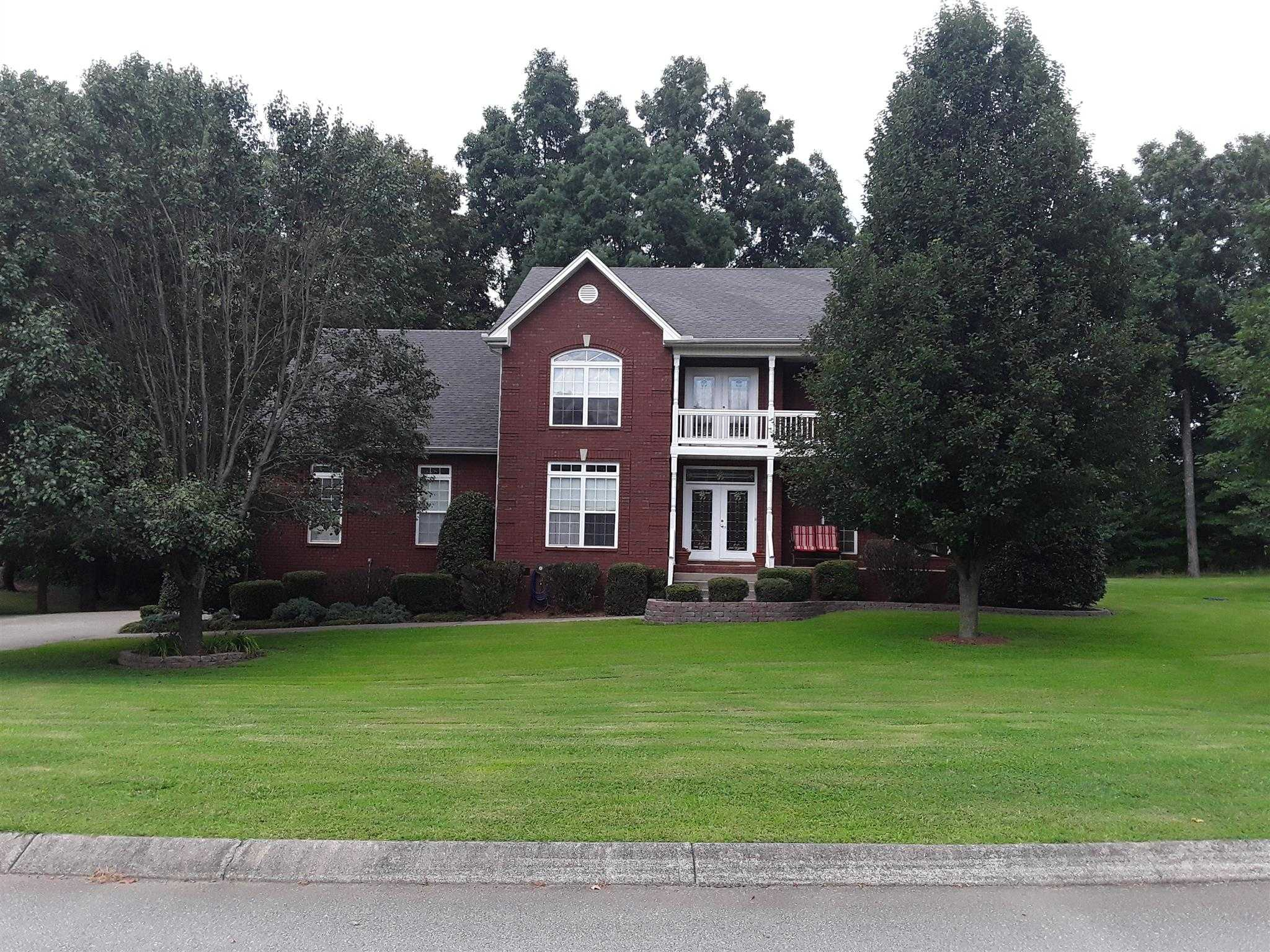 $400,000 - 4Br/3Ba -  for Sale in Oak Pointe Phase 3, Pleasant View